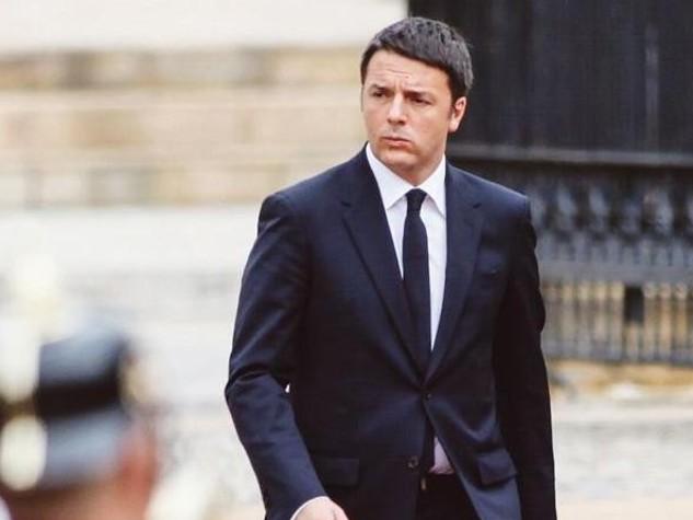 Renzi a Firenze, campagna porta a porta per riforme