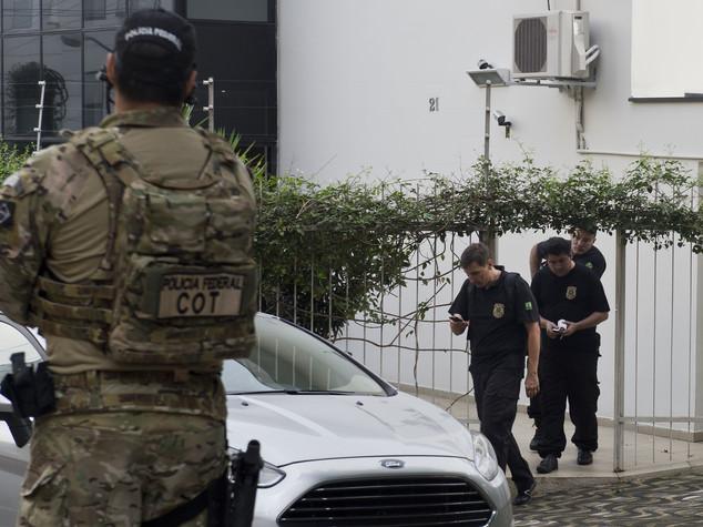 Scandalo Petrobras, polizia ferma l'ex presidente Lula
