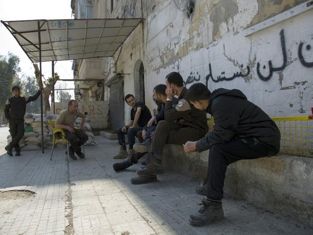 Siria, opposizione accetta di partecipare a negoziati Ginevra