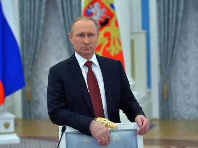 Gli auguri di Putin alle donne (VIDEO)