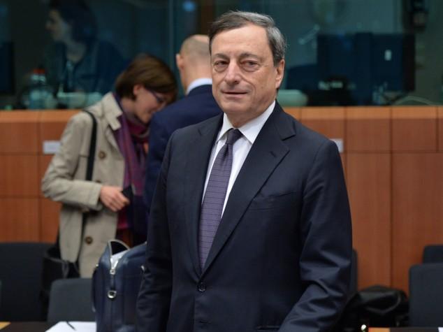 Draghi stupisce mercati, tassi zero e soldi a banche per prestare