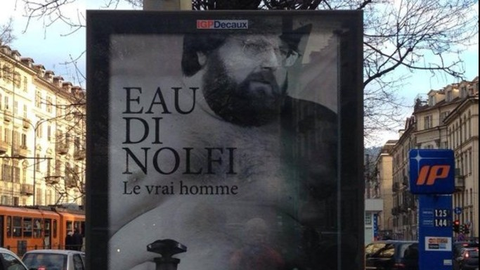 """""""Eau di Nolfi"""", Adinolfi nudo per pubblicizzare un profumo ma e' un falso"""