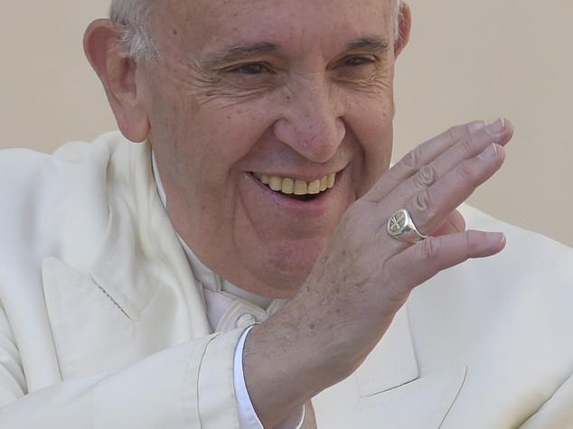 """Il Papa """"convertito"""" a Instagram, partirà il 19 marzo"""