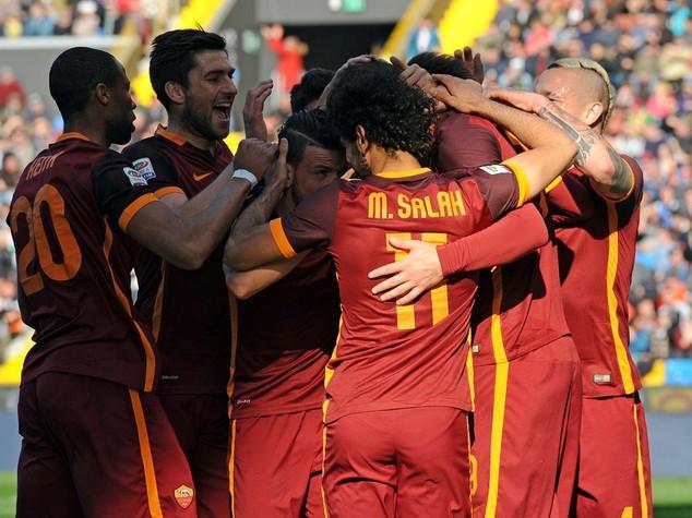 La Roma forza 8 espugna Udine, Fiorentina pari col Verona