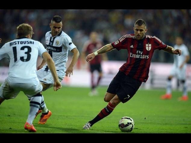 Milan vince 5-4 a Parma ed e' in testa con Roma e Juve