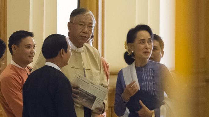 Presidente senza divisa per il Myanmar