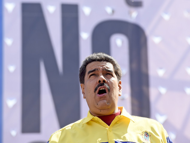 Venezuela, Maduro requisisce le fabbriche chiuse