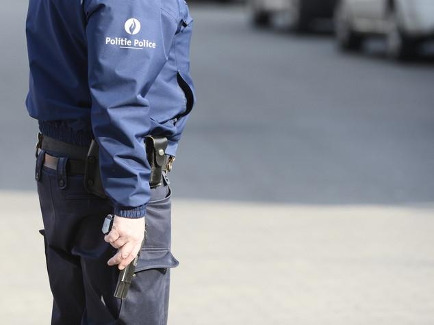 Tenta di accoltellare 2 agenti a Bruxelles, arrestato