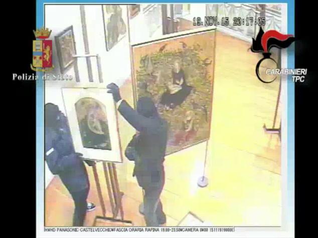 Le immagini della razzia nel museo di Verona - VIDEO