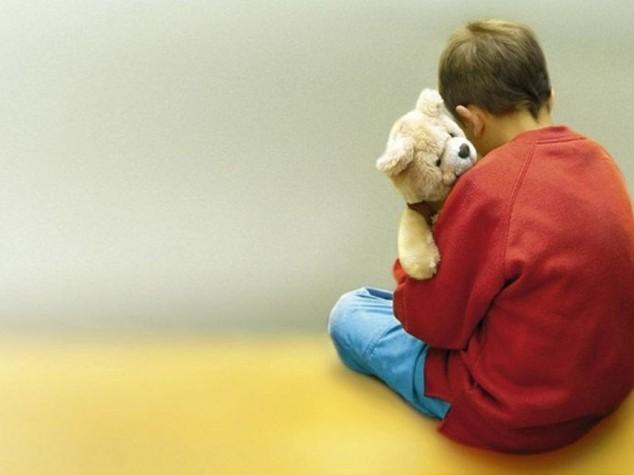 Bimbo autistico di 6 anni scompare nei boschi di Genova