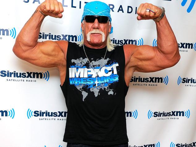 On-line il suo video hard, 115 mln al wrestler Hulk Hogan
