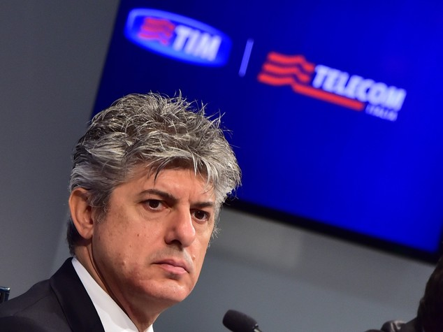 Lascia Patuano, l'ad di Telecom