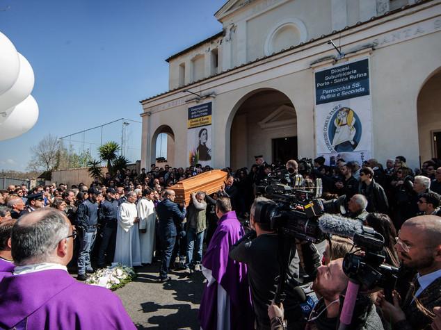 "Rabbia a funerali Varani, ""ora giustizia"" - VIDEO"