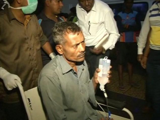 India: 74 morti per liquore adulterato in baraccopoli di Mumbai - VIDEO