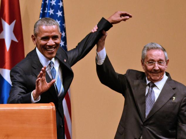 """Obama e Castro: """"giorno nuovo"""" ma restano """"divergenze"""" -   FOTO -   VIDEO"""