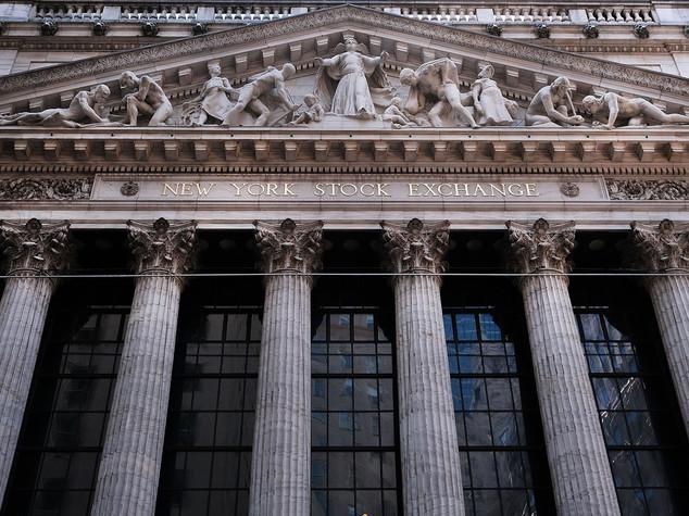 Wall Street apre in lieve rialzo