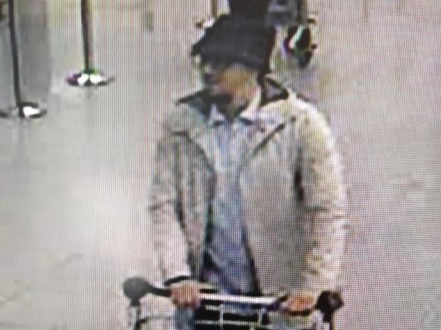 """Strage Bruxelles, Abrini confessa è """"l'uomo con cappello"""""""