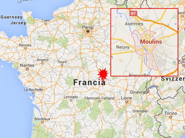 Scontro tra minibus e camion un Francia, 12 morti
