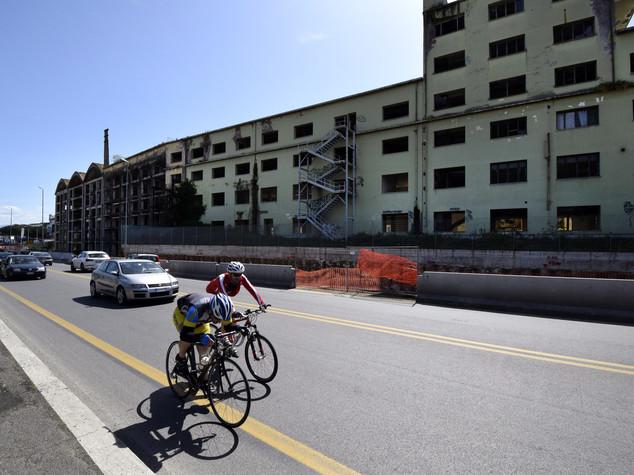 Investe tre ciclisti, denunciata per omicidio stradale