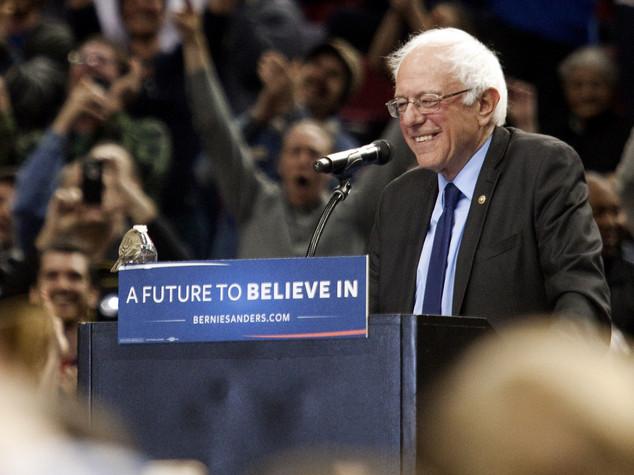 """""""Appoggerò Hillary"""", endorsment di Sanders alla Clinton"""