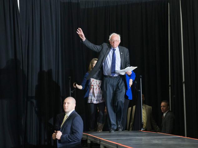 "Sanders trionfa in Alaska, Washington e Hawaii, ""varco verso vittoria"""
