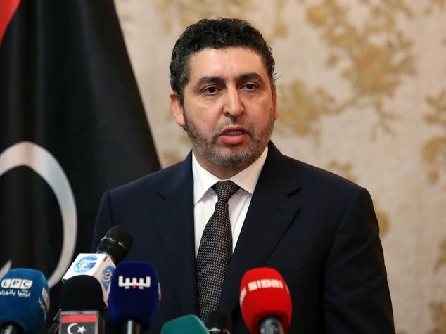 Libia, Ghweil non cede i poteri, Isis minaccia Serraj