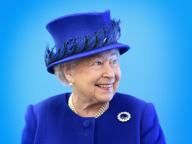 "Elisabetta II parla dopo il voto, ""Sono ancora viva"""