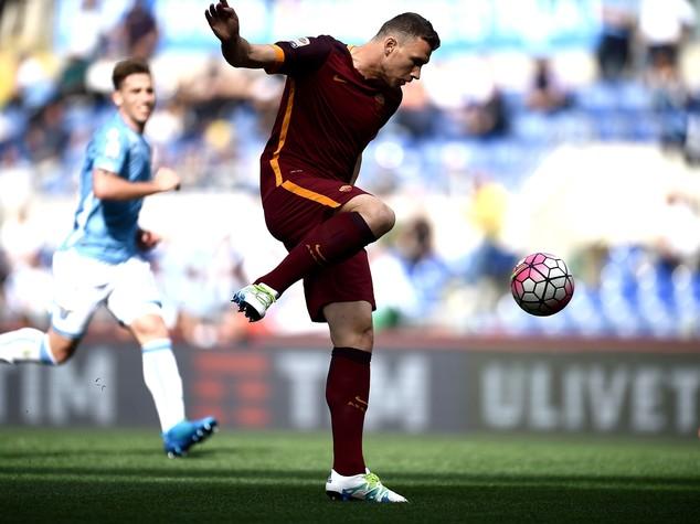 Lazio-Roma 1-4, giallorossi sognano secondo posto