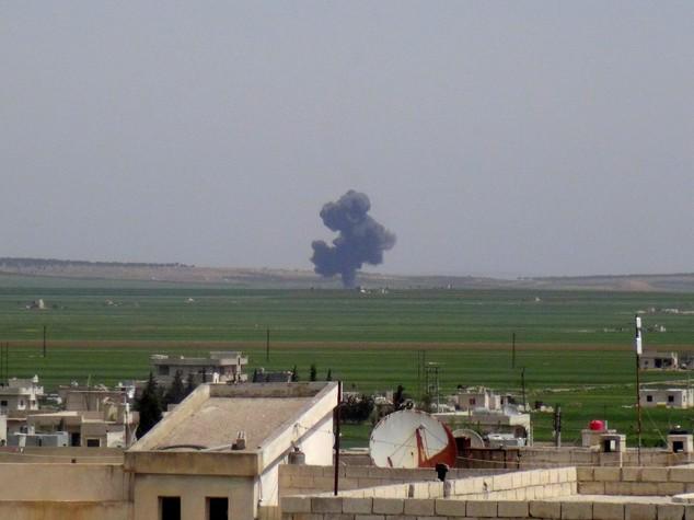 Siria: aereo abbattuto, qaedisti annunciano cattura delpilota
