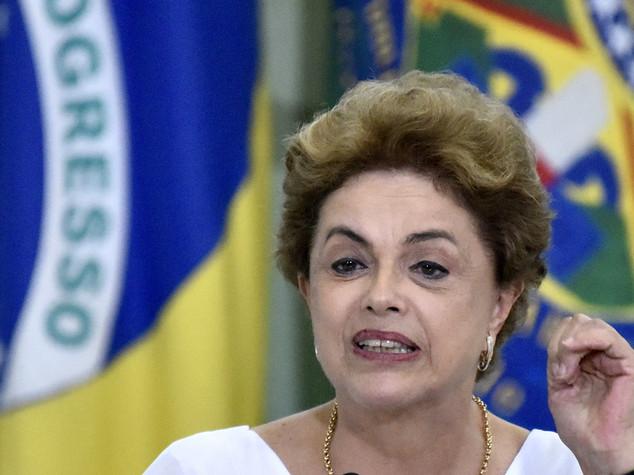 Brasile, contrordine. Sì all'impeachment