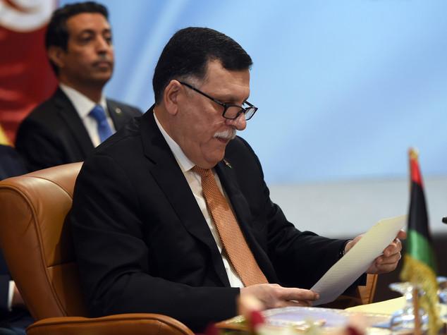 Libia: media russi, Serraj elogia raid Usa e vuole visita a Mosca