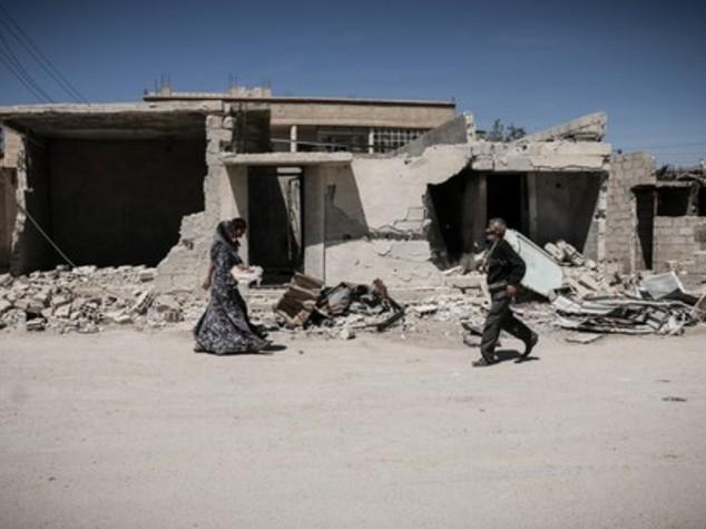 Damasco, l'Isis in difficoltà reagisce: rapiti 300 operai