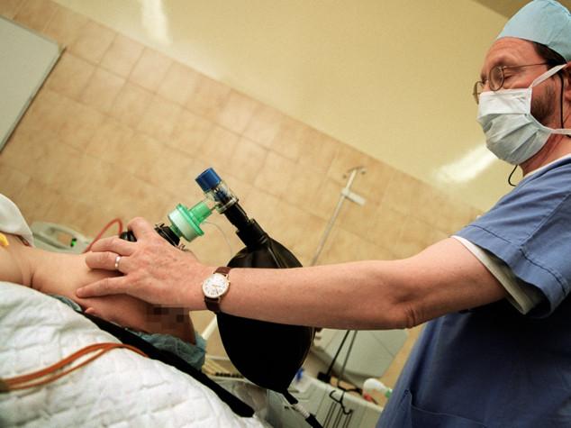 I numeri che hanno portato Zingaretti a un concorso per medici abortisti