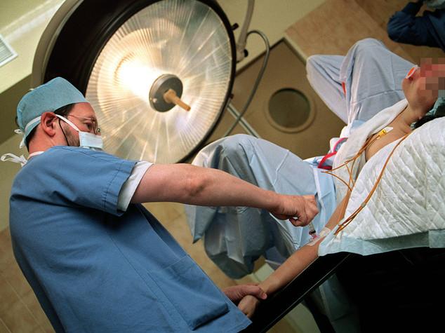 Morta dopo il parto, 5 medici indagati dalla Procura di Messina