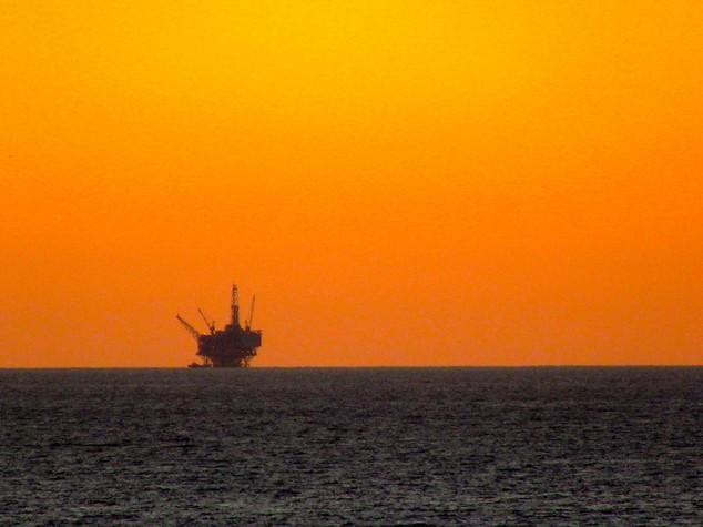 Petrolio: accordo Iran-Russia, 5 piattaforme in Golfo Persico