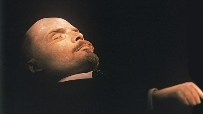 Oltre 170mila euro per rifare il trucco a Lenin, rabbia sul web