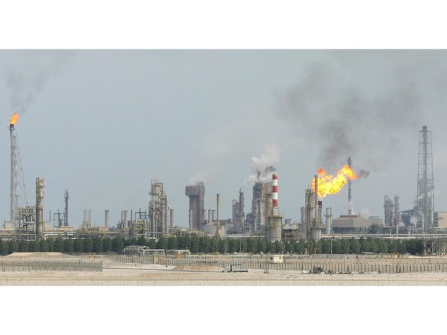 Petrolio: Arabia Saudita e Russia congeleranno produzione anche senza Iran