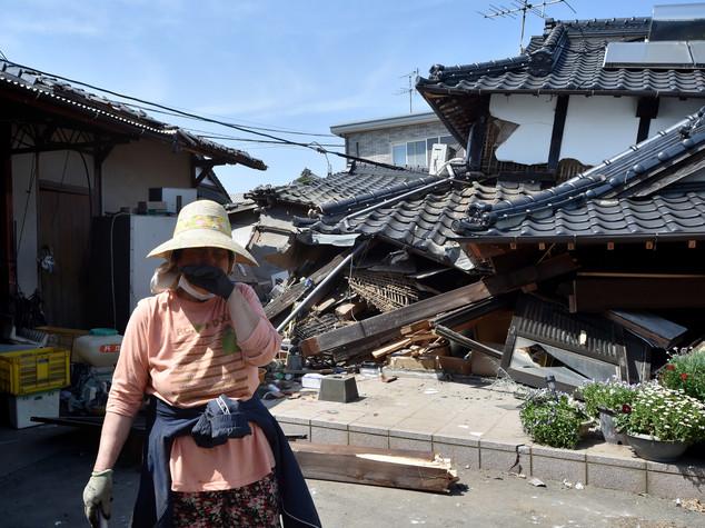 Il Giappone trema ancora, almeno 29 morti - VIDEO