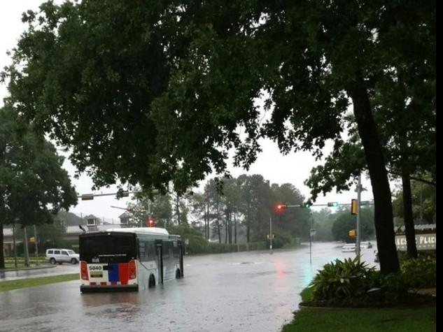 Houston, forti piogge e inondazioni: almeno 5 morti