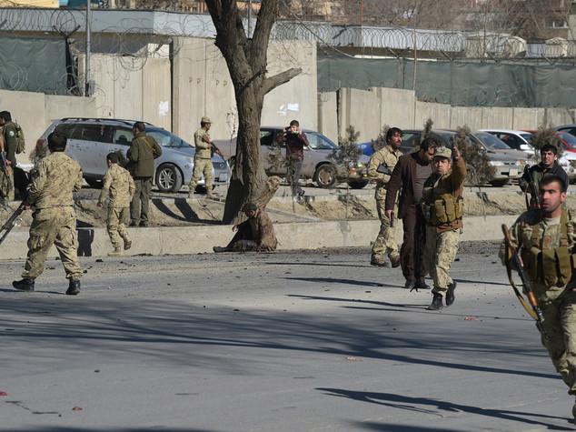 EsteroDoppio attacco kamikaze a Kabul 24 morti