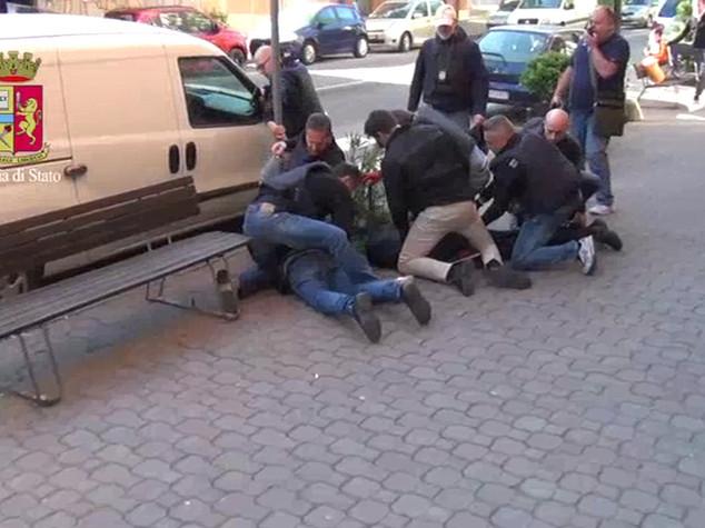 Asti, tre palermitani rapinano ufficio postale: presi
