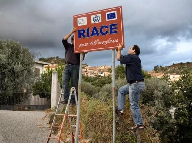 Riace hosts migrants without 'ulterior motives' says mayor