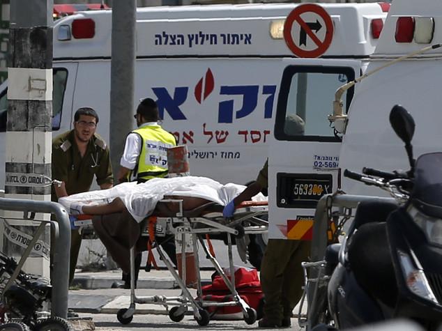 Aggredisce poliziotto, uccisa una palestinese a Hebron