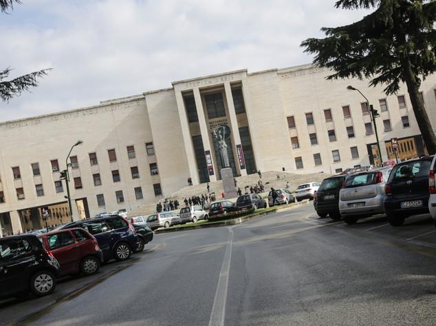 Per i laureati in Campania meno lavoro e salari più bassi