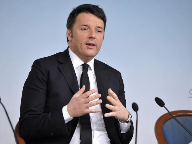 """Def, Renzi """"cala il deficit, su il Pil"""""""