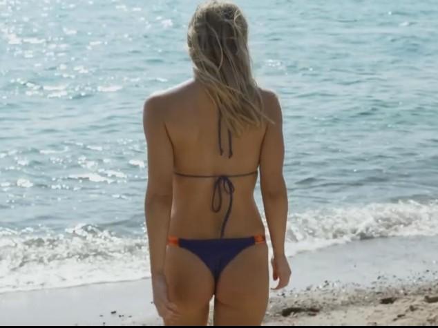 Israele censura lo spot dei bikini Hoodies con Bar Refaeli