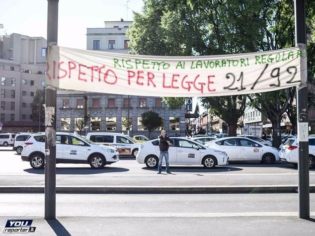 Perché a Milano non si trova un taxi
