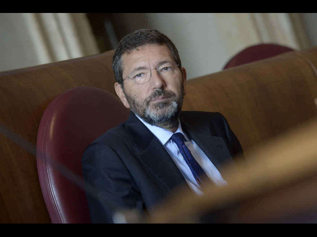"""Mafia Roma: M5S, """"Marino lasci"""" Marino,""""Pd intorno a me sano"""""""
