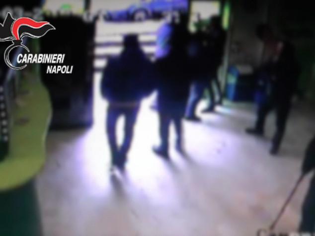 Camorra: racket e violenze, 20 arresti in 2 clan