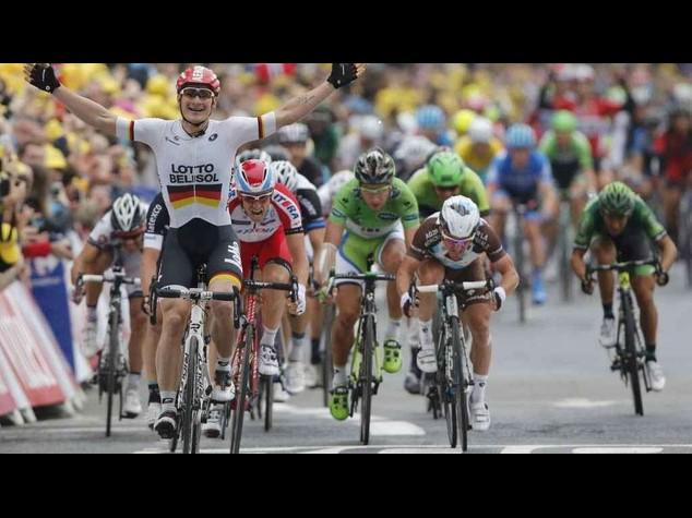 Tour 2014: sprint vincente del tedesco Greipel a Reims